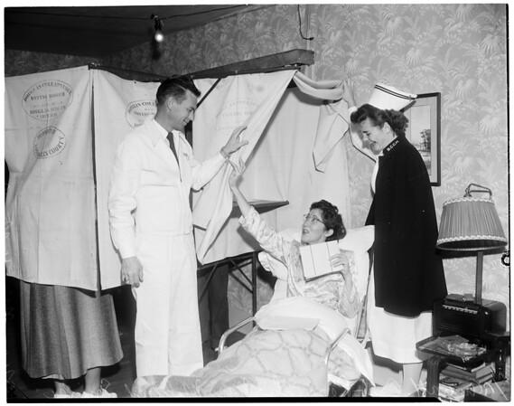 Ambulance aids voter, 1952