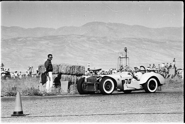 Autos -- Palm Springs sport car races, 1958