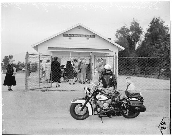 Women excluded from meeting of San Gabriel Valley Humane Society, 1960