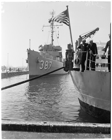 Minesweepers arrival, 1952