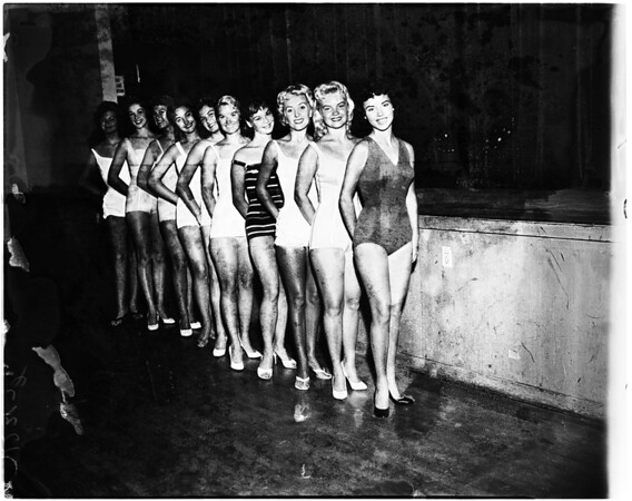 La Ballona Fiesta Queen finalists, 1958