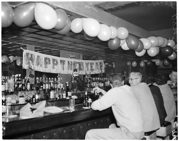 "Murder in bar on Melrose Avenue ""In Between"", 1958"