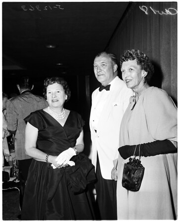 Cocktail party, Opera Guild of Southern California, 1958