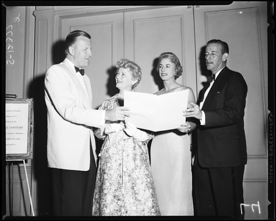 Perino's before opera, 1958