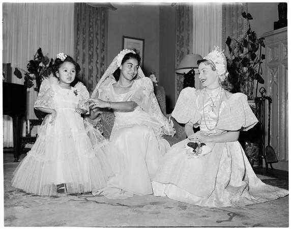 YWCA women planning fashion show, 1954