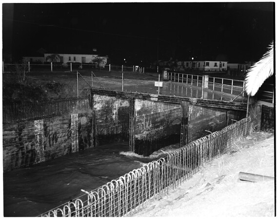 Ballona Creek flood pictures, 1952