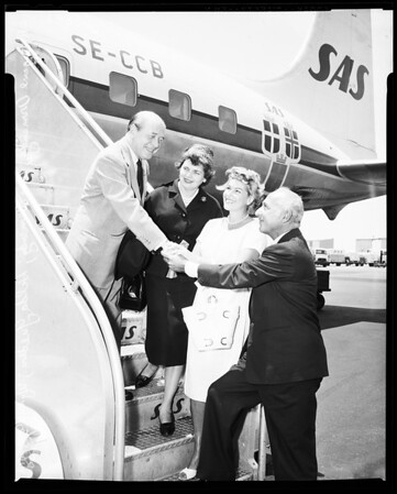 Ormandy arrival at International Airport, 1958