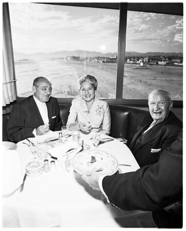 Food Feature -- Jacks by the Sea, 1958