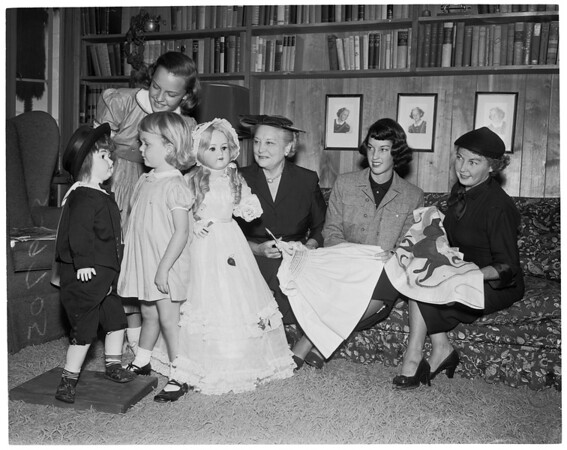 Annual doll fair of Children's Hospital, 1952