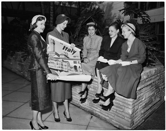Trojan Junior Auxiliary Fashion Show, 1954
