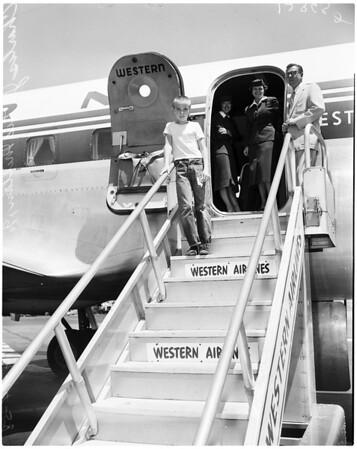 Stowaway trip by plane to Seattle, 1958