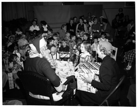 Flower Guild Santa, 1953