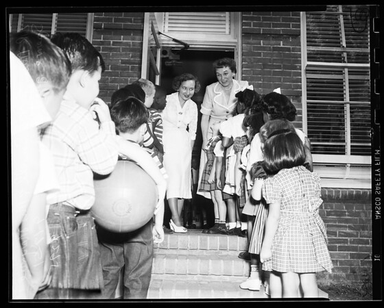 School, Vermont Avenue, first day, 1951