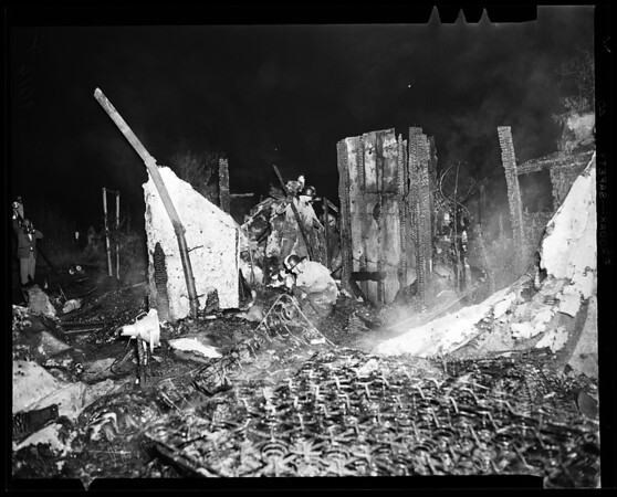 Five kids die in house fire (5704 Jurez Street - Whittier), 1952