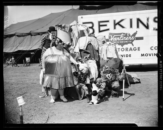 Circus donation to Korean relief, 1951