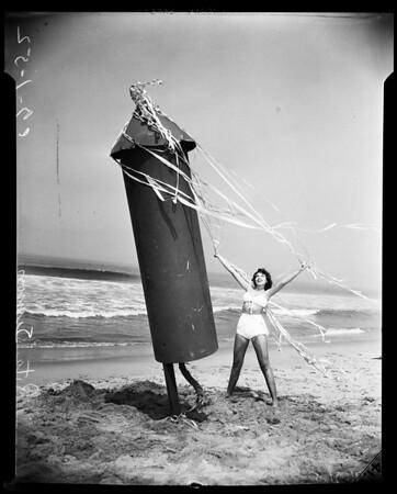 Fourth of July advance (Ocean Park Beach), 1952
