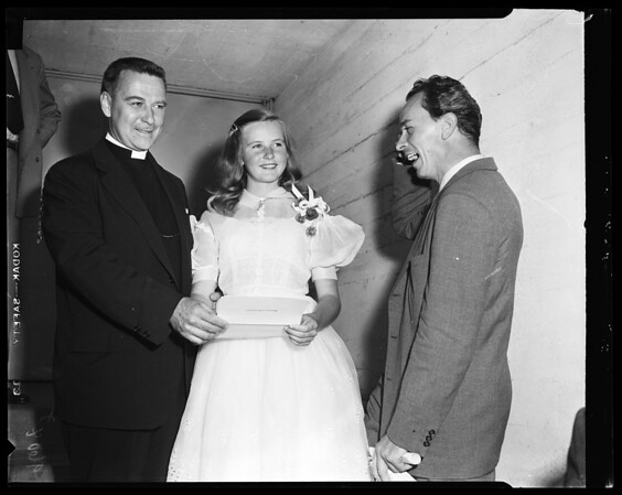 Pia Lindstrom arrival -- 13 years (Receiving diploma), 1952
