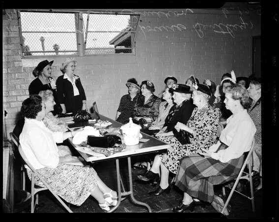 Grandmothers Club, Hollywood, 1952