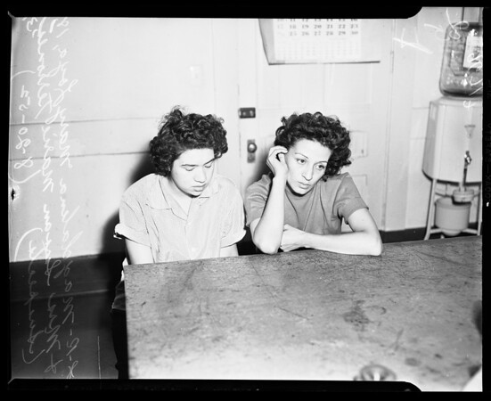 Girl narcotics suspects, 1952