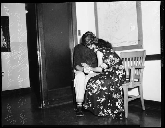 Harbor burglary ring broken, 1952