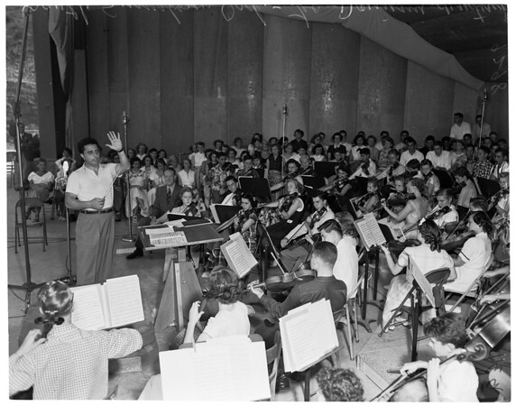 Youth concert at Stough Park, Burbank, 1951