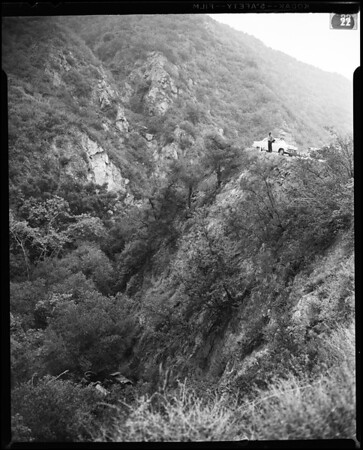 Survivors of self-propelled gun over cliff at Santa Monica hospital, 1955