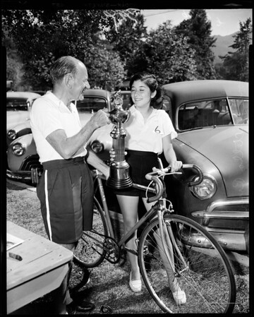 Bicycle queen, 1952