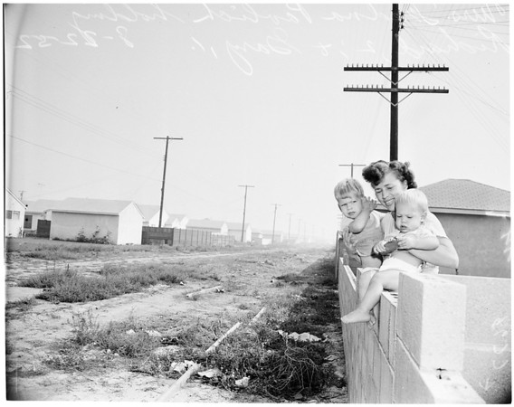 Blocked construction of Southern Pacific Spur Line in Downey, 1952