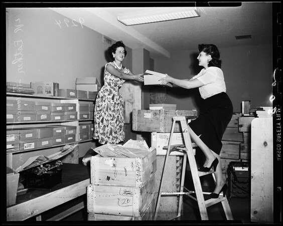 Moving day Jewish Federation, 1951