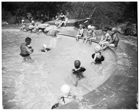 Kids swimming class, Pasadena (at the home of Mrs. Trever Cardner, 1324 North sierra Madre Villa Avenue), 1952