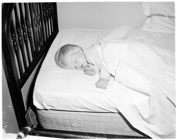 Lost baby, 1952