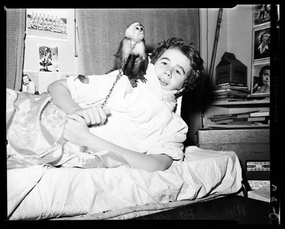 Boy in cast wants letters, 1952