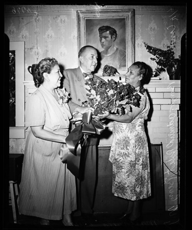 Mexican hero honoree, 1952
