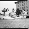 Holmby alumnae planning party, 1952