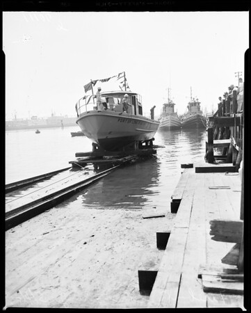 Long Beach fire boat launching, 1954