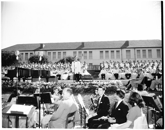 Beverly Hills High School graduation, 1952