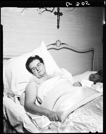 Liberace mom beaten, 1957
