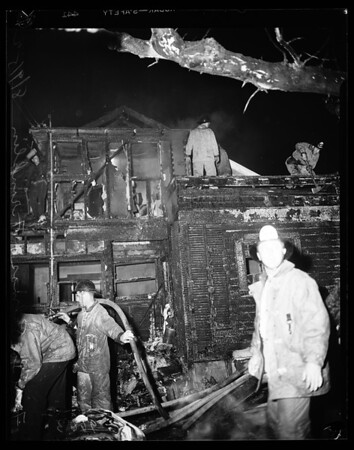 Fire at Las Palmas and Franklin Avenue, 1952