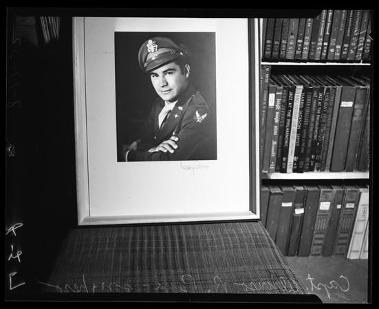 Mexican hero honoree, 1952