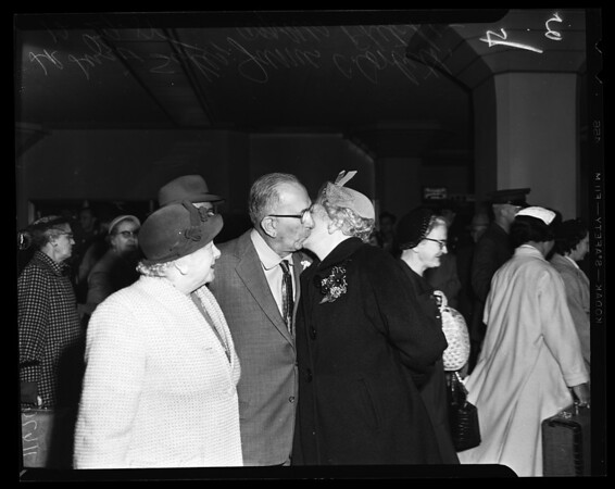 Family reunion (Union Station), 1955