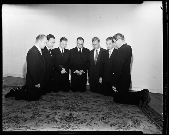 7th Day Adventist ministers ordained, 1954