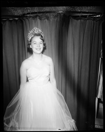 Monrovia Day Queen, 1954