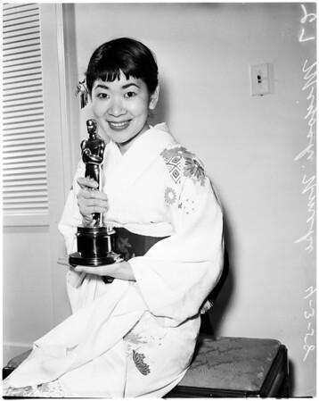 Miyoshi Umeki (with Oscar), 1958