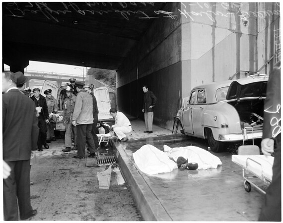 Traffic accident on Harbor Freeway, 1960