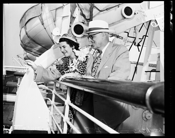 24th conducted tour to Honolulu for Los Angeles Chamber of Commerce, 1954
