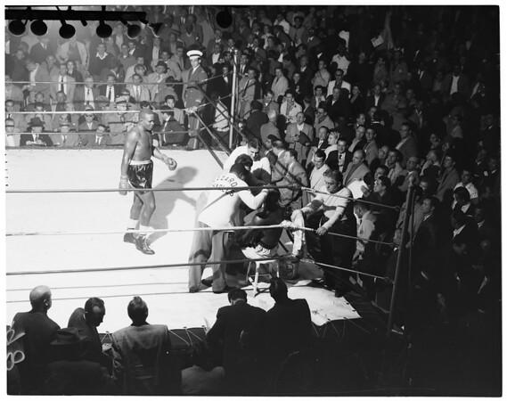 Fights -- Ezzard Charles versus Jack Johnson, 1955