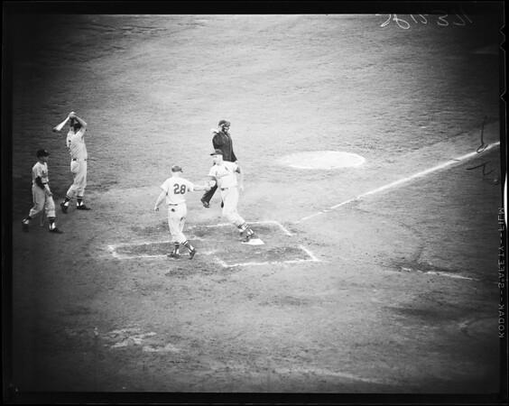 Baseball -- Dodgers versus Cardinals, 1958.