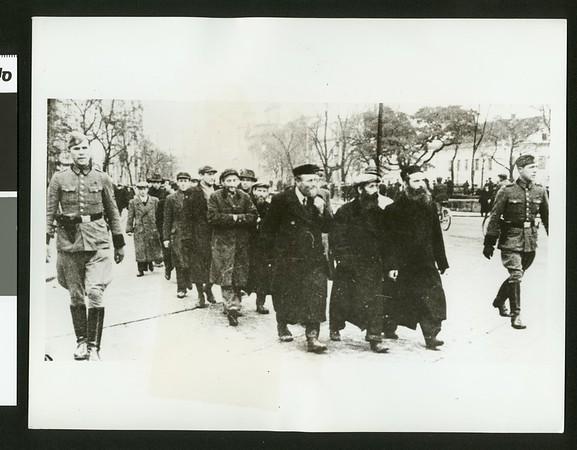 Hitler's Jewish terror in Warsaw, 1940