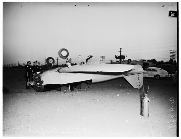 Plane crash Whiteman Airpark, San Fernando Road, 1951
