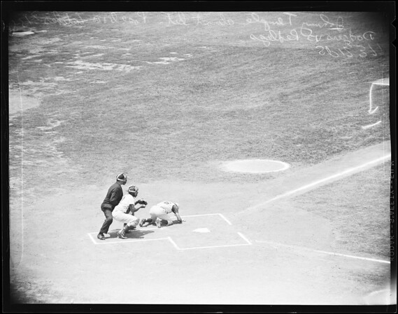 Baseball -- Dodgers versus Redlegs, 1958.